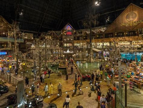 Where Can I Get A Bass Pro Shop Gift Card - memphis pyramid tn sporting goods outdoor stores bass pro shops