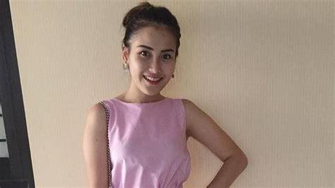 Celana Ayu Ting Ting beredar celana dalam merk ayu ting ting netizen 10 000
