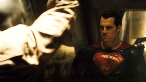 film yang mirip dengan god of war amarah murka duo superhero di teaser batman v superman