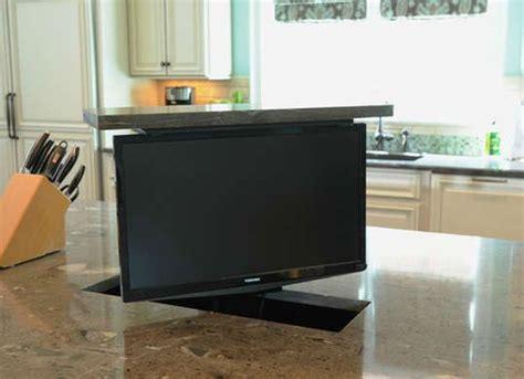 should i have a tv in my kitchen or not les 25 meilleures id 233 es de la cat 233 gorie t 233 l 233 vision cach 233 e