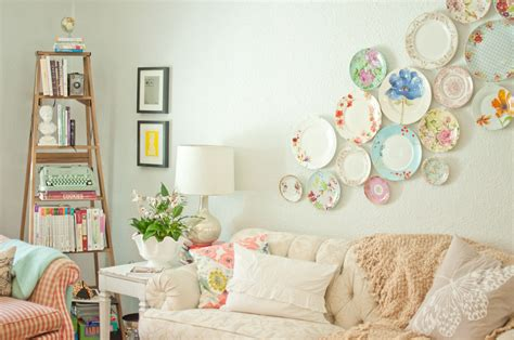 Decorating With Plates domestic fashionista decorating with plates