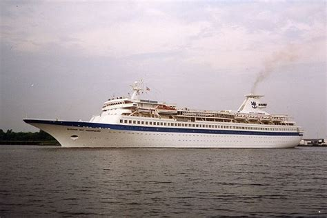sleepboot holland vastgelopen 17 best images about ships and boats on pinterest cruise