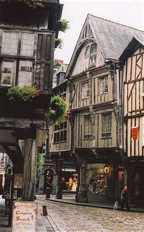 Le Patio Dinan by 997 Best Images About Narrow Streets On