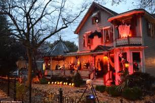 Best Outdoor Halloween Decorations - the most creative halloween decorations across america daily mail online