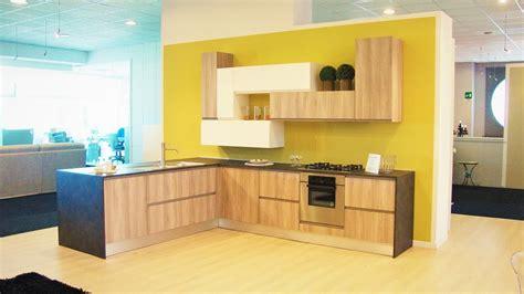 cucina con angolo dispensa cucina con dispensa ad angolo trova le migliori idee per