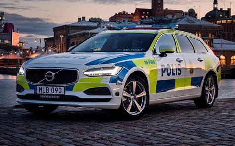 Volvo Sedan Indonesia