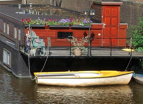 living on a boat spain living on a dutch barge housing expatica the netherlands