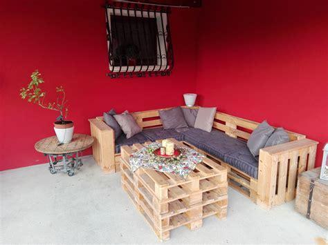 leroy merlin cuscini salotto da giardino con pallet e cuscini colorati