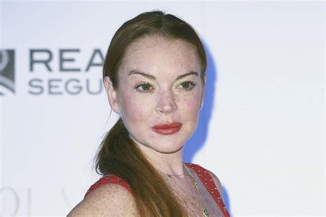 Lindsay Lohan Attempted lindsay lohan defends harvey weinstein in swiftly deleted