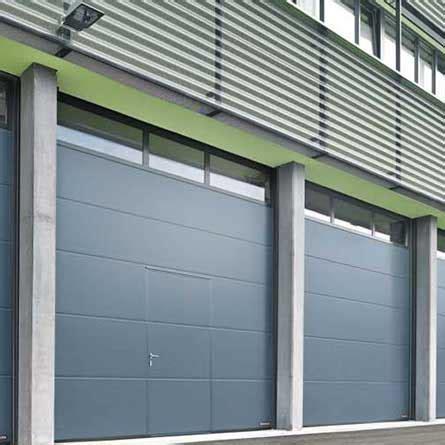 portoni sezionali laterali ser met all architettura moderna dei serramenti in alluminio