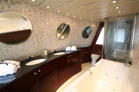 odd bathrooms odd shaped bathroom design ideas home decoration live