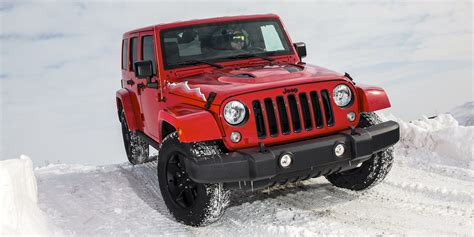 jeep wrangler snow tires off road in the snow with jeep