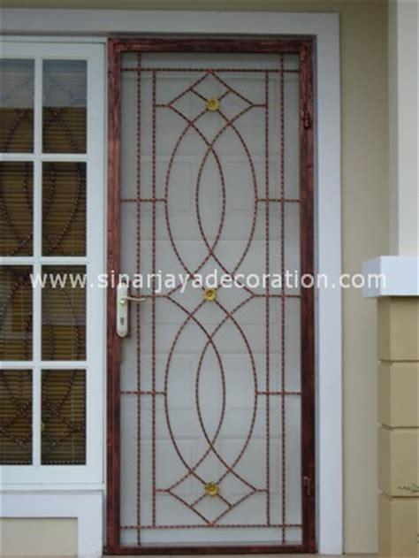 PINTU KASA NYAMUK BESI   Sinar Jaya Decoration