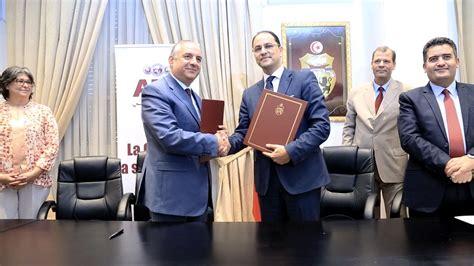 si鑒e atb tunisie l atb accompagne le minist 232 re de l education dans la