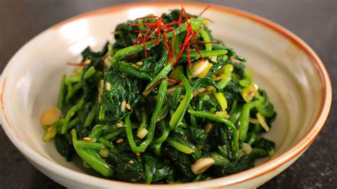 side dishes spinach side dish sigeumchi namul recipe maangchi