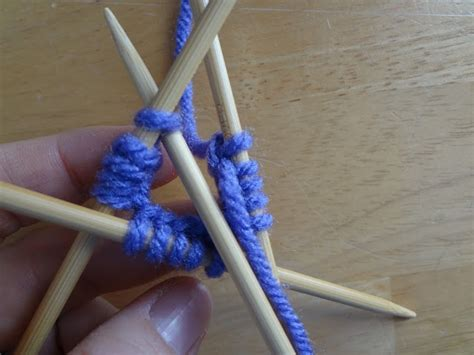 knitting in the with pointed needles 1000 images about pointed needles tutorials on