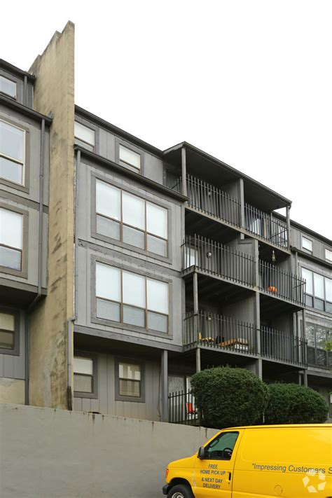 eagles eyrie apartments rentals louisville ky