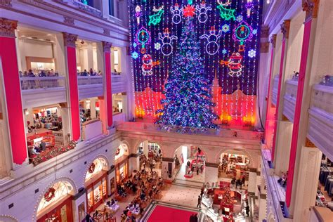 the 15 must see holiday attractions in philadelphia for