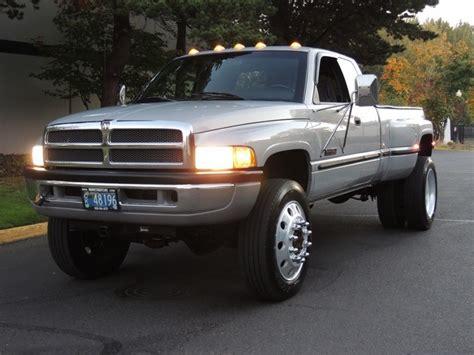 1999 Dodge Ram 3500 Laramie SLT/ 4x4 / 5.9L Diesel