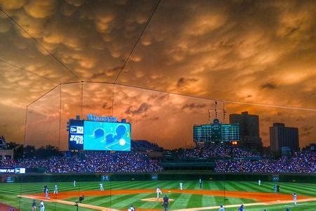 impending storm creates breathtaking photo  wrigley field bleacher report latest news