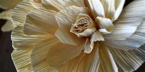 membuat kerajinan bunga dari kulit jagung 12 kerajinan tangan dari kulit jagung nan menakjubkan