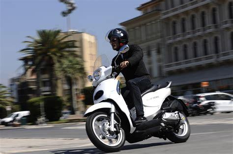 E Motorrad Kaufen by Gebrauchte Aprilia Scarabeo 200 I E Motorr 228 Der Kaufen
