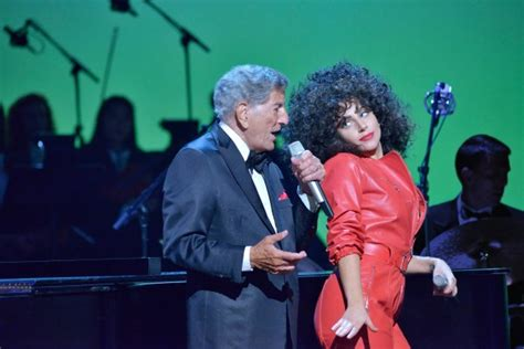 can tony bennett and lady gaga save b n 187 mobylives sound off lady gaga tony bennett s cheek to cheek live