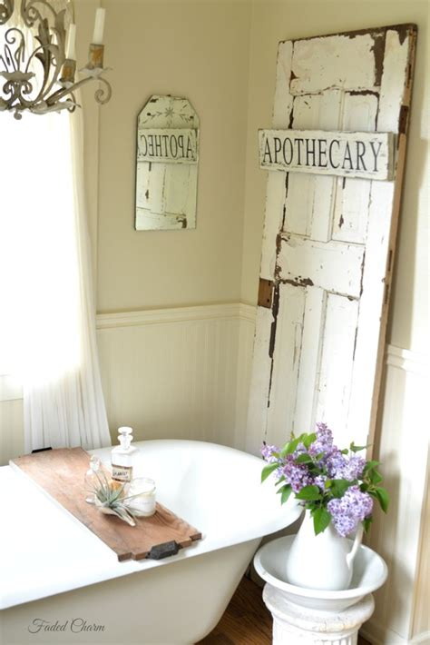gorgeous farmhouse bathroom decor ideas 028 homedecort