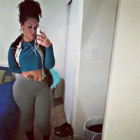 primejailbait selfie yoga pants lena enos on twitter quot rt djzeeti twitpic a selfie in