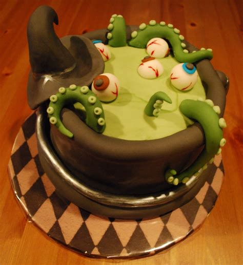 Halloween Cake Decorating - cute amp non scary halloween cake decorations 2 cake decorations pinterest scary halloween