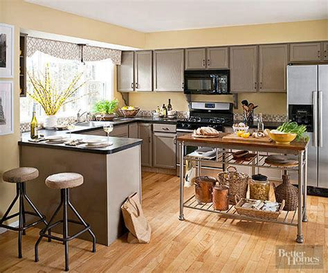 bright kitchen colors warm kitchen color schemes better homes gardens