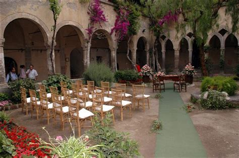 Sorrento?s Cloister of Saint Francis is a romantic setting