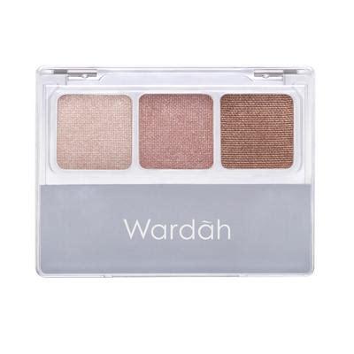 Wardah Eyexpert Eye Shadow Classic ingin wajah glowing kamu bisa pakai highlighter wardah