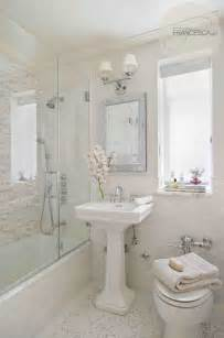 Small White Bathroom Decorating Ideas by 17 Delightful Small Bathroom Design Ideas