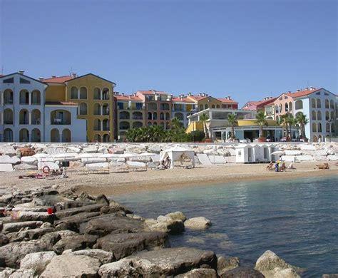 porto recanati zeus apartments italia porto recanati booking
