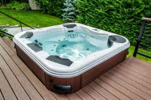 Bullfrog spa 462 hot tub with trex decking and cable rail modern hot
