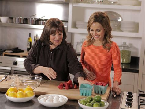 ina garten entertaining ina garten s 11 entertaining do s and don ts barefoot