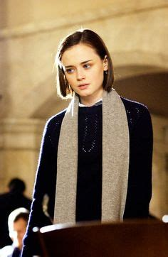 scarves to add oomph to any fall look glam radar alexis bledel again she rocks the natural look since