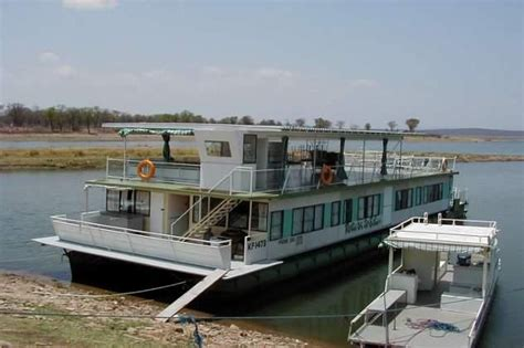 what is a house boat unusual houseboats view image gallery houseboats