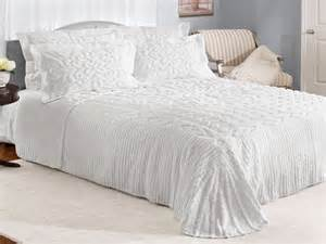 Fashioned Bedspreads Fashioned Bedroom Furniture White Color Cotton