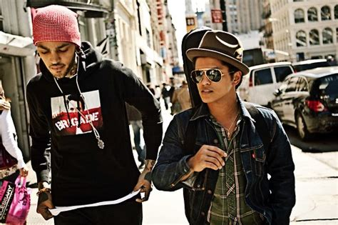 download mp3 bruno mars ft travie mccoy billionaire bruno mars ft travie mccoy all i need fist in the air
