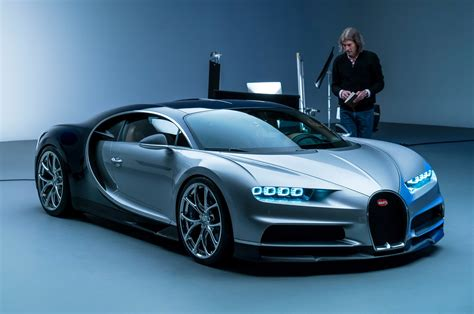 bugatti chiron 2017 bugatti chiron by design what s new and why motor trend