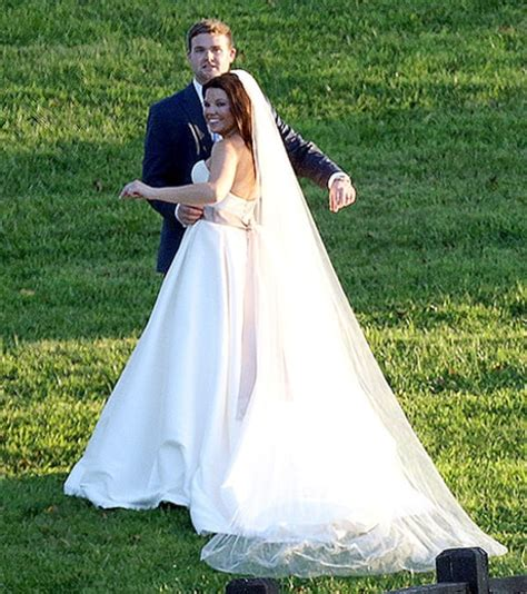 dillons dress on sunday today amy duggar marries dillon king see her wedding dress