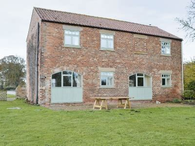 Birdforth Cottages by Birdforth Cottages The Granary Ref 25721 In