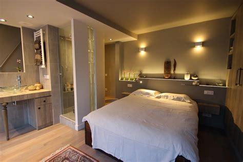 salle de bain dans chambre parentale suite parentale avec salle de bain ouverte chambre