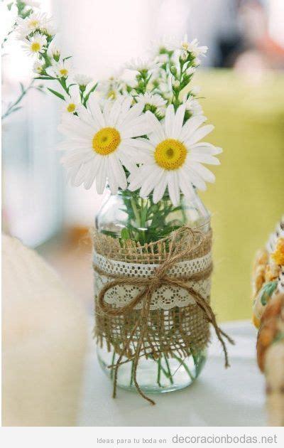 decorar jarrones con yute jarr 243 n cristal con yute encaje y margaritas para decorar