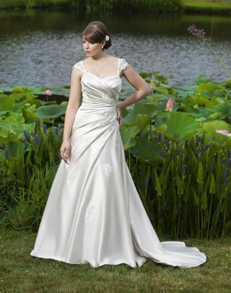 Ireland's Top Wedding Dress Designers   weddingsonline