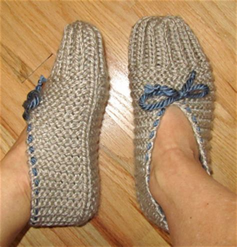 pattern for knitted house slippers ravelry quick and easy knit slippers pattern by chez pascale
