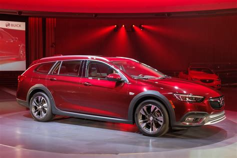 2018 buick regal sportback and tourx wagon premiere before