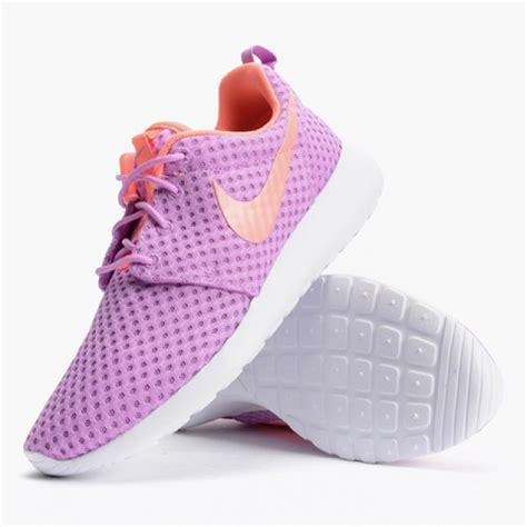 Sepatu Nike Wanita One sepatu casual wanita nike roshe one br purple original